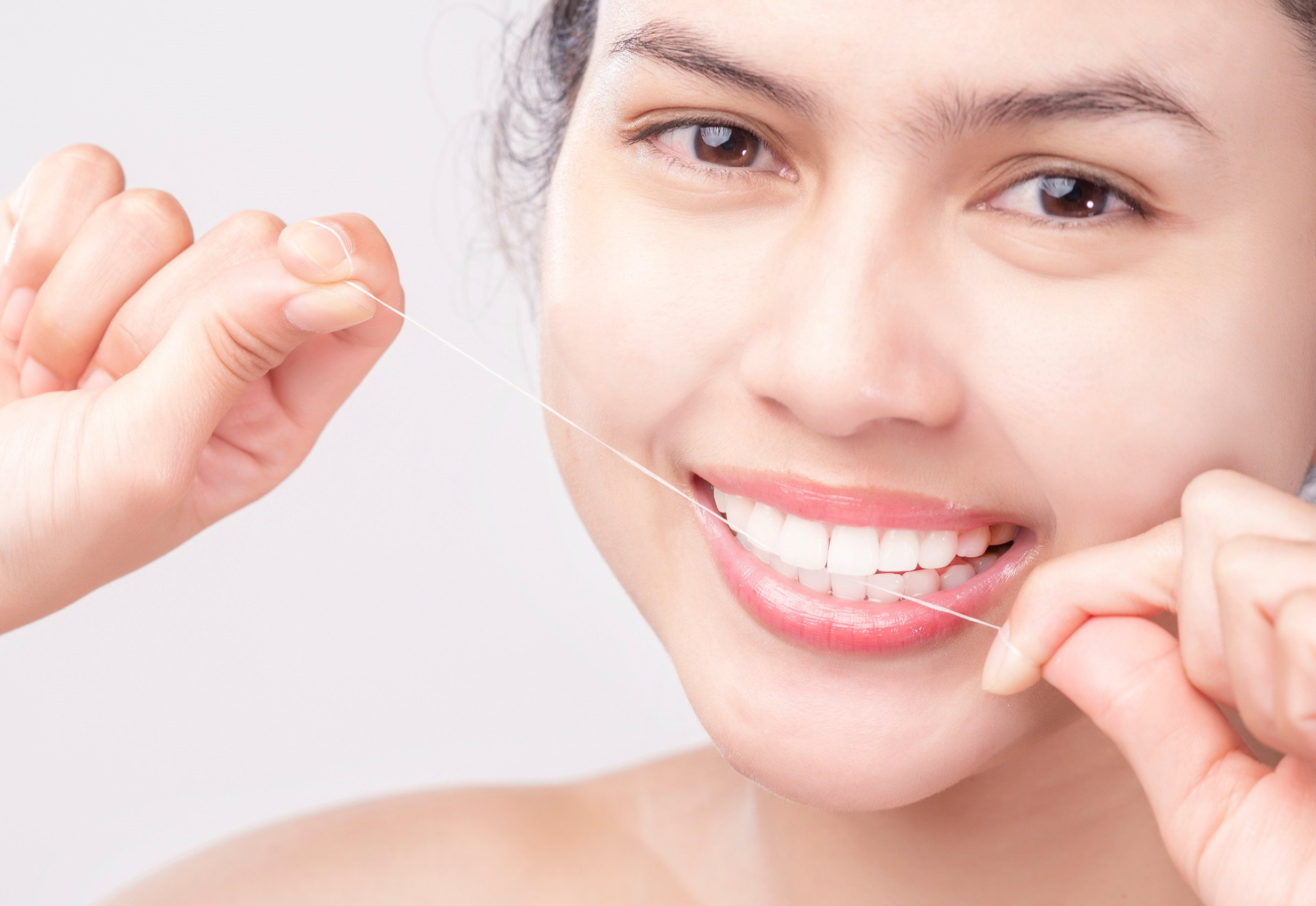 Flossing: How to Do it Daily